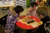Фото со второго турнира по шахматам для троих игроков